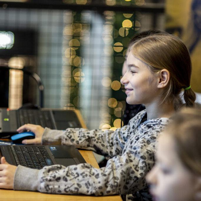 Warsztaty programowania dla dziewczynek – Meet & Code 2020